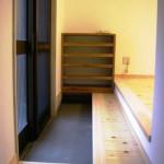 玄関の敷き台・下駄箱