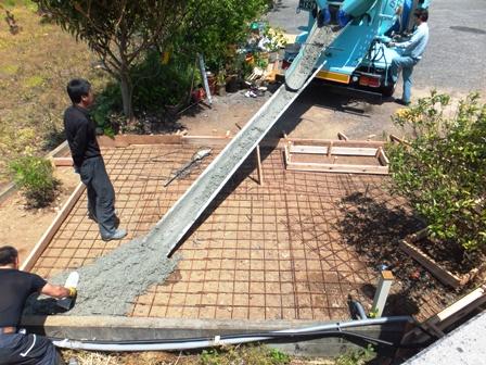 庭つくり コンクリート打設