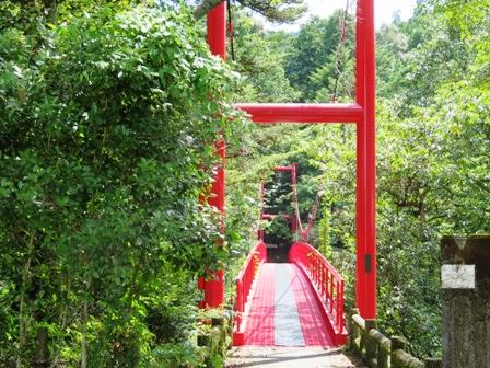 つづら吊橋